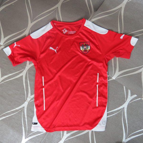 Austria 2014-16 home shirt Puma soccer jersey size Boys M 140cm 10Y (1)