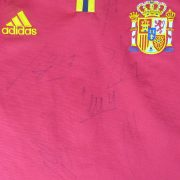 Spain 2000-02 home shirt adidas soccer jersey size M (Euro 2000) 8 signatures (2)