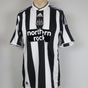 Newcastle United 2009-10 home shirt adidas soccer jersey size M (1)