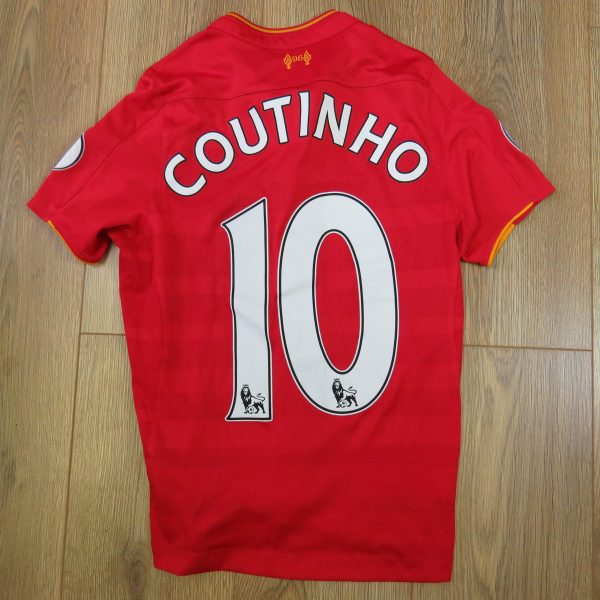 Liverpool 2016-17 EPL home shirt New Balance Coutinho size Boys L (146cm) (3)