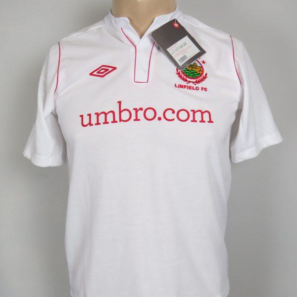 Linfield 2012-13 away shirt Umbro soccer jersey size Boys L 152cm BNWT (1)