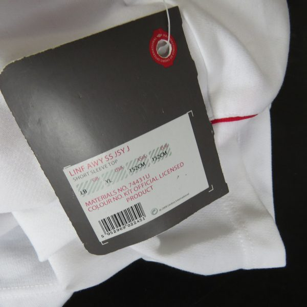 Linfield 2012-13 away shirt Umbro soccer jersey size Boys L 152cm BNWT (3)
