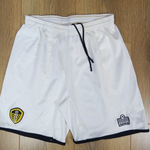 0dcdfae6c Leeds United 2005-06 home shorts Admiral soccer size JXL 13-14Y ...