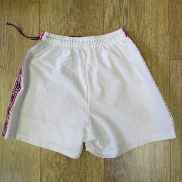 ManU home shorts 1998-00 158cm (3)