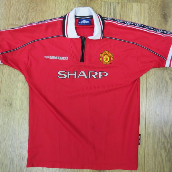 Manchester United 1998-00 Home Shirt UMBRO size 158 Boys L 13Y (1)