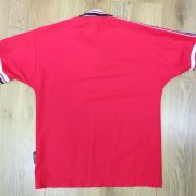Manchester United 1998-00 Home Shirt UMBRO size 158 Boys L 13Y (2)