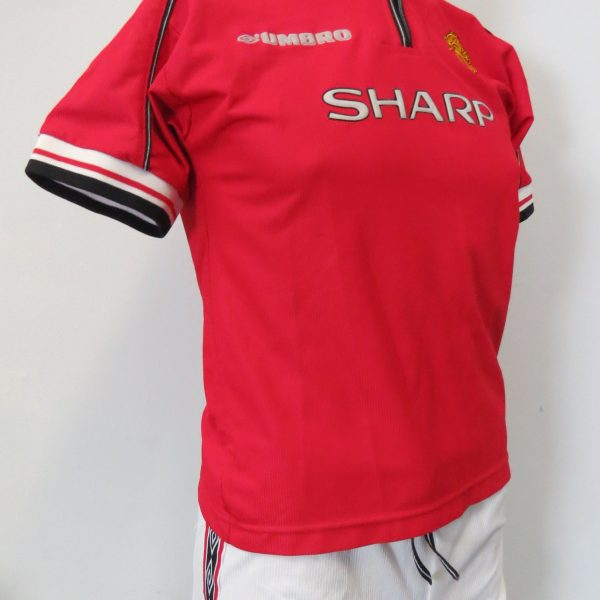 Manchester United 1998-00 Home kit shirt shorts UMBRO 158 Boys L 13Y (2)
