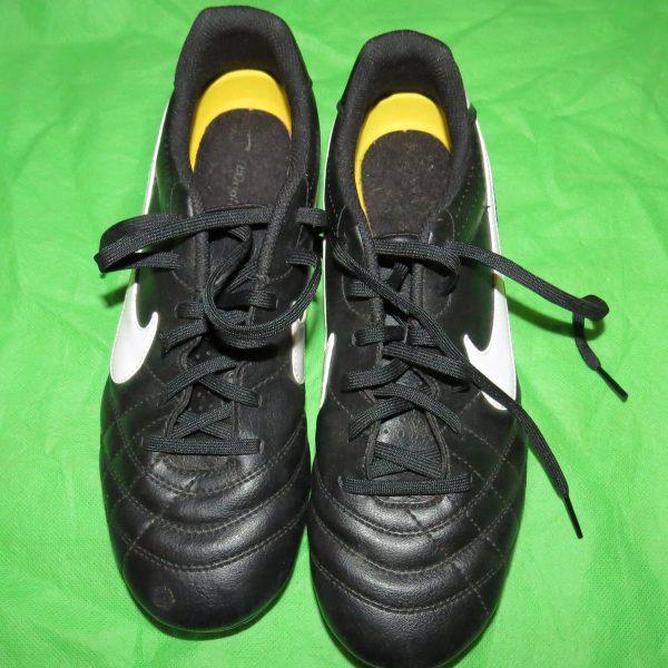 Football Junior Nike Tiempo Natural SG size 5.5 (EU38.5 US6Y)- 454322 018 VGC (1)
