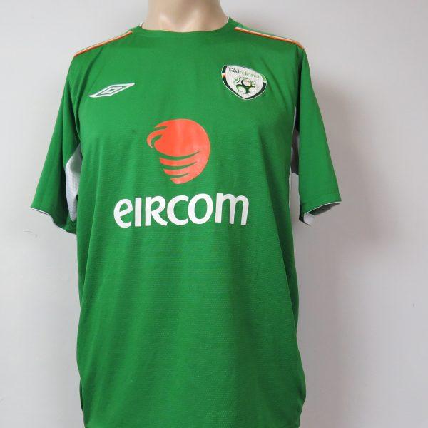 size 40 06e38 0a26f Ireland 2008-10 home shirt Umbro soccer jersey size M