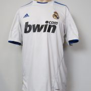 Real Madrid 2010-11 home shirt adidas soccer jersey size L (1)