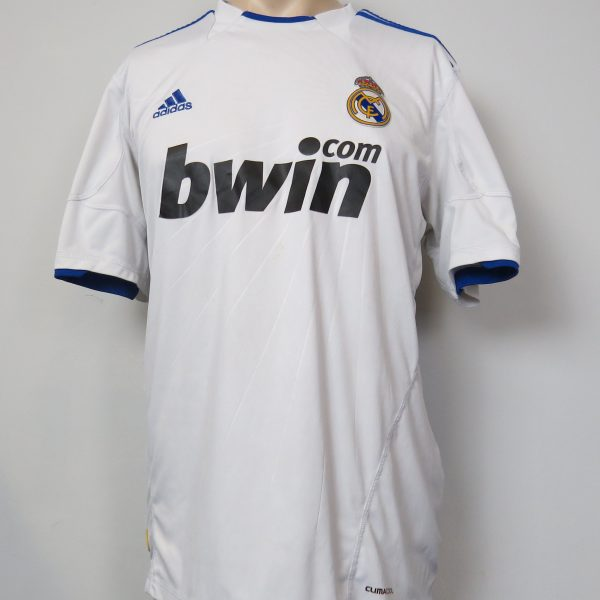 detailed pictures 9792e ba62e Real Madrid 2010-11 home shirt adidas soccer jersey size L