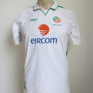 44cac6a9f Ireland 2003-05 away shirt UMBRO soccer jersey Boys XL 32 33″
