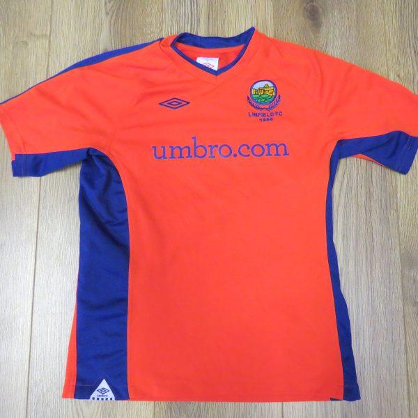 Linfield 2010-11 away shirt Umbro soccer jersey size Boys L 152cm (1)