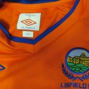 Linfield 2010-11 away shirt Umbro soccer jersey size Boys L 152cm (3)