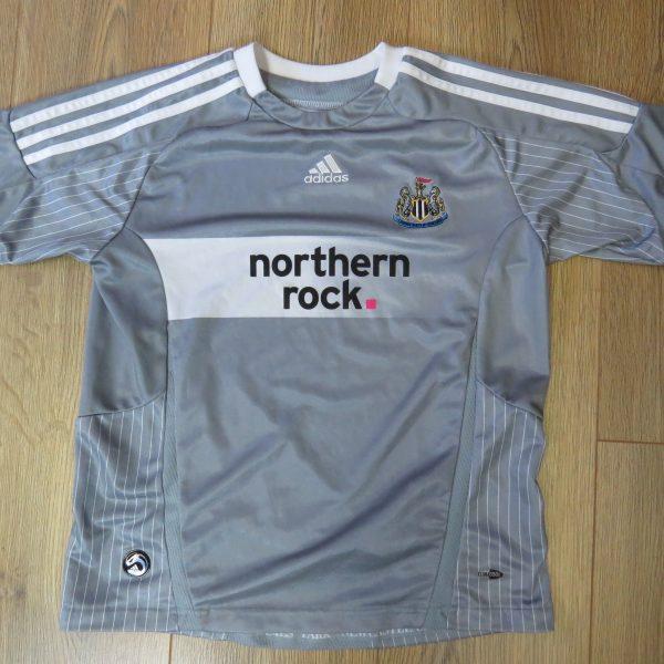 Newcastle United 2008-09 third shirt adidas size Boys M 152 12Y (1)