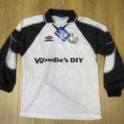 Vintage Shamrock Rovers 1999-00 ls away shirt 158cm 12-13YRS BNWT (1)
