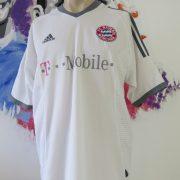 Bayern Munich 2002-03 away shirt adidas soccer jersey Ze Roberto #11 size L (2)