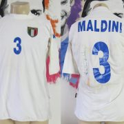 Italy 2001-03 away shirt Kappa Maldini #3 signed size XL (fits like L) Italia jersey (1)