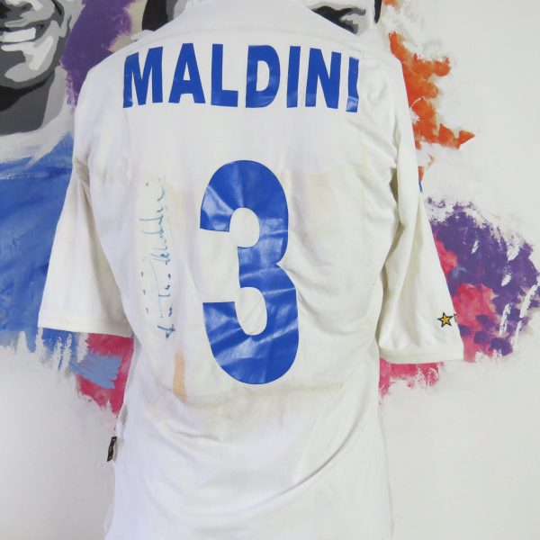 Italy 2001-03 away shirt Kappa Maldini #3 signed size XL (fits like L) Italia jersey (5)