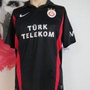 Galatasaray training shirt size S (1)