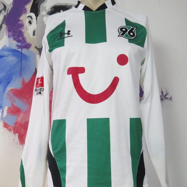 Hannover 96 2009 2010 player away shirt Ya Konan #11 size S Under Armour (2)