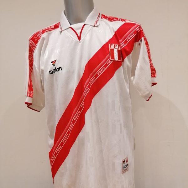 Vintage Peru Gold Cup 2000 Copa America 2001 2002 home shirt Walon size XL (1)