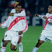 Vintage Peru Gold Cup 2000 Copa America 2001 2002 home shirt Walon size XL (4)