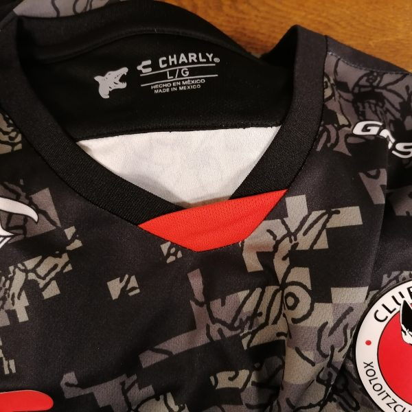 Club Tijuana 2019 2020 away shirt Charly jersey Nahuelpan 32 size L (1)