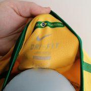 Brazil World Cup 2010 2011 home shirt Nike Brasil football top size M (2)