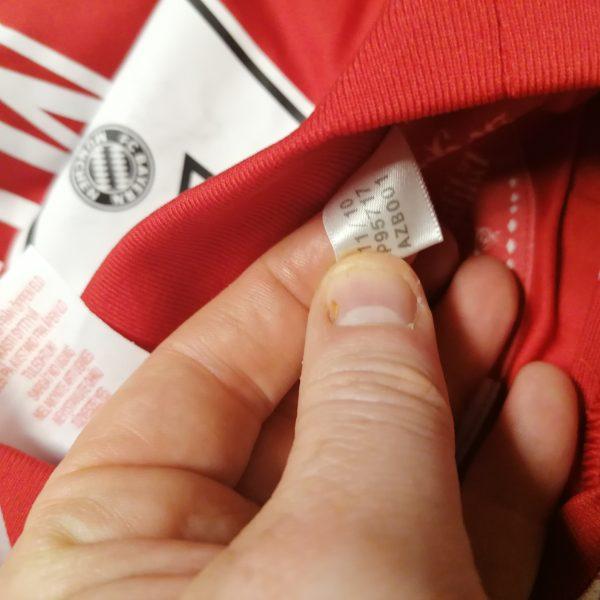 Bayern Munchen 2010 2011 home shirt adidas Muller 25 size Boys L 164 14Y (5)