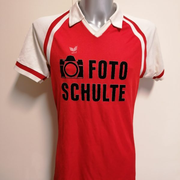 Vintage Erima 1980ies red football shirt #9 size L made in west germany (1)